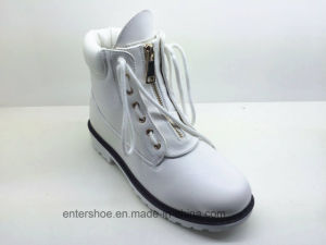 New Style White Leather Fashion Lady Boots Shoes (ET-XK160348W) pictures & photos