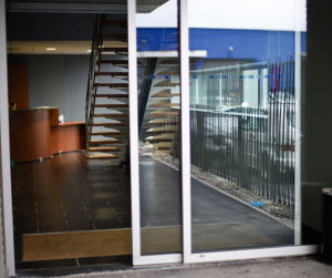 Glass Door Manufacturers with CE (DS200) pictures & photos