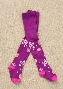 Lovely Child Cotton Rich Tights with Flower Design pictures & photos