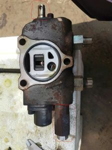 Control Valve Operating Lever and Accessorie for Toyota 7f/8f Forklift 67806-26530-71 pictures & photos