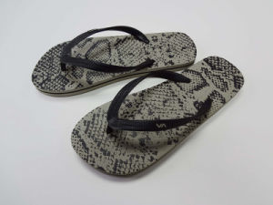 Sample Color Rubber Flip Flops pictures & photos