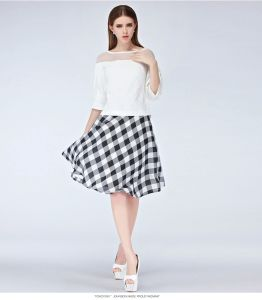 Wholesale New Fashion Summer Casual Plaid Women Skirt pictures & photos