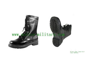 Military Tactical Combat Boots Black Leather Shoes CB303018 pictures & photos