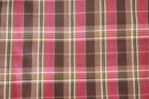 Polyester Yarn-Dyed Gingham Fabric (QDFAB-2908) pictures & photos