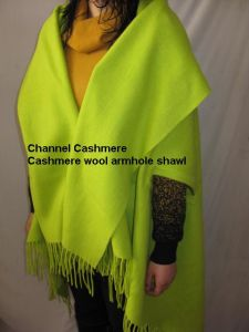 Cashmere Wool Armholes Cape pictures & photos