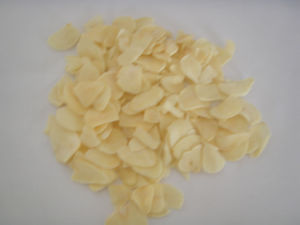 High Quality for Exporting Dehydrated Garlic Flakes pictures & photos