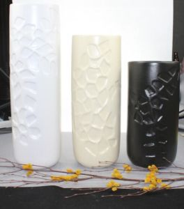 Embossed Ceramic Crafts Vase for Wholesale pictures & photos
