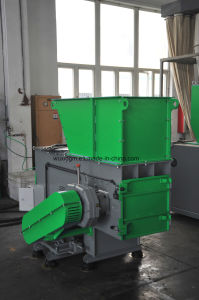 Compact Single Shaft Shredder for Shredding Wood pictures & photos