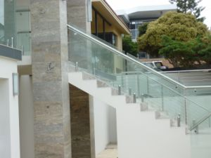 Staircase Spigot Glass Railing pictures & photos