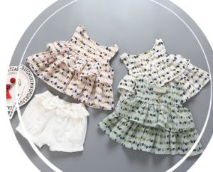 Girl Baby Clothing pictures & photos