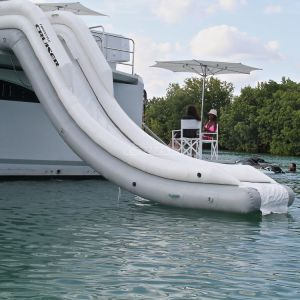 Giant Outdoor Inflatable Hawaii Yacht Water Slide for Sale pictures & photos