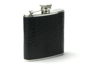 Stainless Steel Leather Hip Flask with Stainless Steel Funnel and Cup Set pictures & photos
