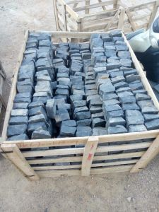 Flamed/Tumbled/Natural Split Zp Black Basalt/China Basalt/Dark Basalt for Cube/Cobble/Paving Stone/Cobblestone pictures & photos