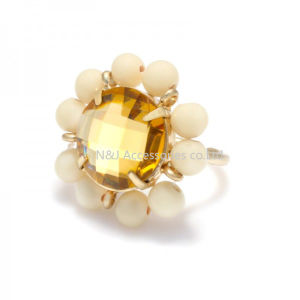 Fashion Jewelry Beige Pearl Yellow Glass Stone Flower Ring pictures & photos