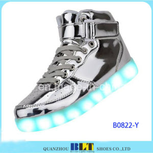 New Style Casual Women&Men Light LED Shoes pictures & photos