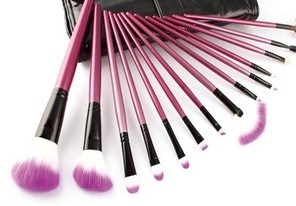High Quality Makeup Brush Set with Pouch pictures & photos