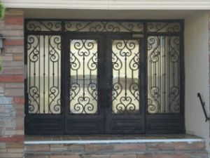 Elengant Iron Front Door with Sidelites pictures & photos