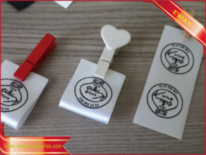 Nice Satin Label Printed Garment Label in Middle Fold pictures & photos