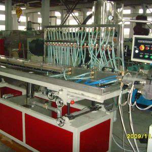 PP / PE / PVC Wood Plastic Profile Extrusion Machine