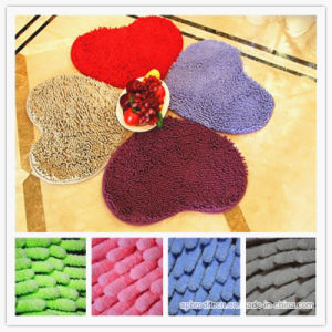 Customized Size&Color Heart-Shaped Chenille Rug pictures & photos