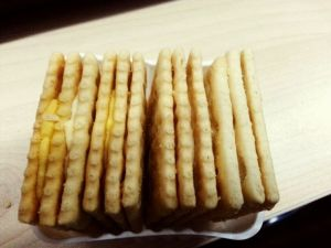 3+2 Biscuit Sandwiching Machine pictures & photos