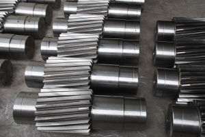 F114 SAE1045 AISI1045n Forged Steel Gear Pinion Shaft pictures & photos