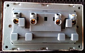 UK Standard Double Socket with Switch and Neon Wood 13A pictures & photos