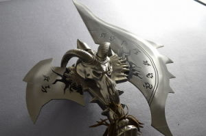 Replica of Shadowmourne Axe/Wow Cosplay pictures & photos