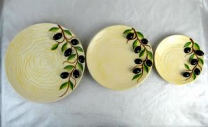 Set of 3 Ceramic Cookie/Candy Plates with Olive Design pictures & photos