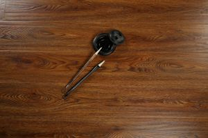 12mm Wood Grain U-Groove Lamiante Floor pictures & photos