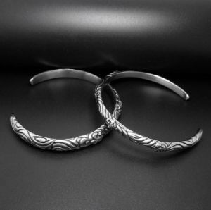 Retro Cuff Bracelets Titanium Steel Couple Jewelry Silver Color pictures & photos