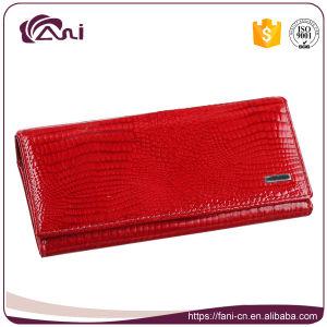 2017 Long Slim Crocodile Design Women Leather Wallet pictures & photos