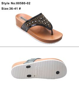 Wide Flip Flop Strip Strap Women and Ladies High Heel Thick Sole Clip Toe Slipper with Italy Charm and Metal Decoration pictures & photos