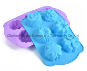 6 Flowers Baking Tool Silicone Cake Mould for Christmas Holiday Sc49 pictures & photos