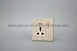 BS Style Socket Outlet 10A 3 Gang Switch pictures & photos