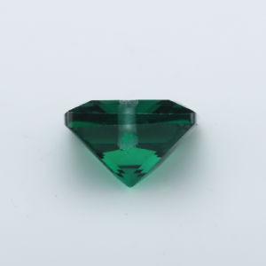 Princess Cutemerald Green Cubic Zircon Gemstone Drill Hole pictures & photos