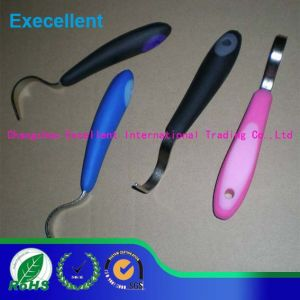Horse Hoof Pick with Plastic Handle pictures & photos