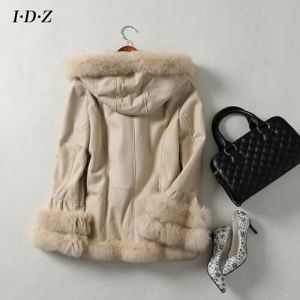2016 New Design of Lady′s Shearing Leather and Fur Hooded Jacket pictures & photos