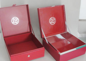 Custom Different Size of Packaging Gift Box/ Paper Box/ Carton pictures & photos