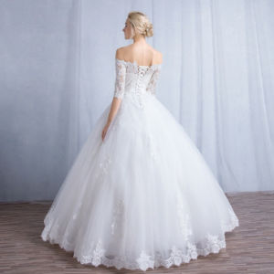 Elegant Ball Gown off Shoulder Half Sleeves Lace up Button Bridal Wedding Dress pictures & photos