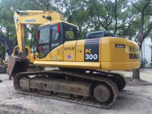 Used Japan Komatsu PC300-7 Crawler Excavator for Sale pictures & photos