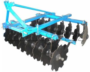 1bqx Series Light-Duty Disc Harrow 1BQX-1.1/ 1BQX-1.3/ 1BQX-1.5/ 1BQX-1.7 pictures & photos