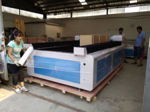 1300*2500mm Design Laser Cutting Machine for Fabric Leather Acrylic Wood pictures & photos