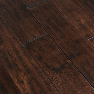 Handscraped Oak 910*122*18mm Solid Wood Flooring T&G Kentucky Color (LYSF1) pictures & photos