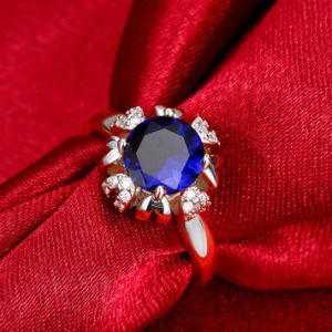 Fashion Jewelry New Design CZ Flower Wedding Elegant Women Rings pictures & photos