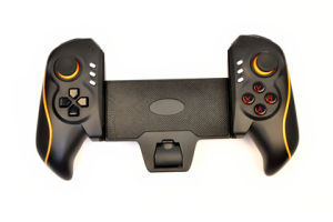 Shenzhen Factory Sale Bluetooth Game Controller pictures & photos