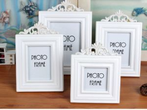 Custom Multi-Size Solid Wood Picture Frame pictures & photos
