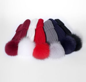 Trend Fashion Custom Cute Natural Fur Ball Knitted Beanie Hat for Women pictures & photos