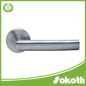 Ss Stainless Steel 201/304/316 Lever Door Handle/ Door Lock 8 pictures & photos
