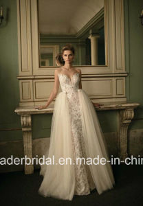 Sheer Back Lace Wedding Gown Distouchable Train Bridal Dress Lb16254 pictures & photos
